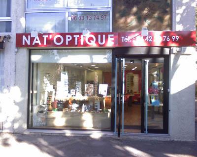enseigne en lettres adhésives sur Aix en Provence